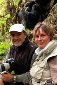 valentino e jacqueline con il gorilla