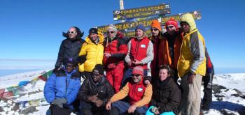 Foto di gruppo a Uhuru-Peak